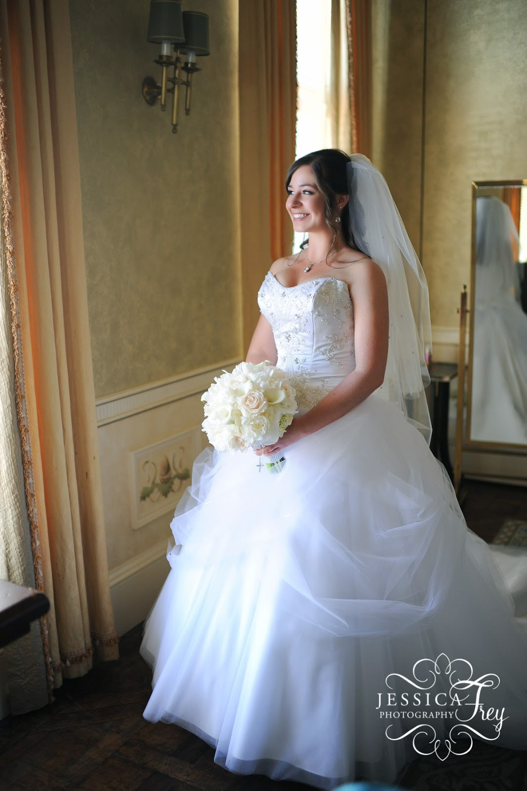 Beauty And The Beast Wedding Dress: A 'Beauty And The Beast' Wedding