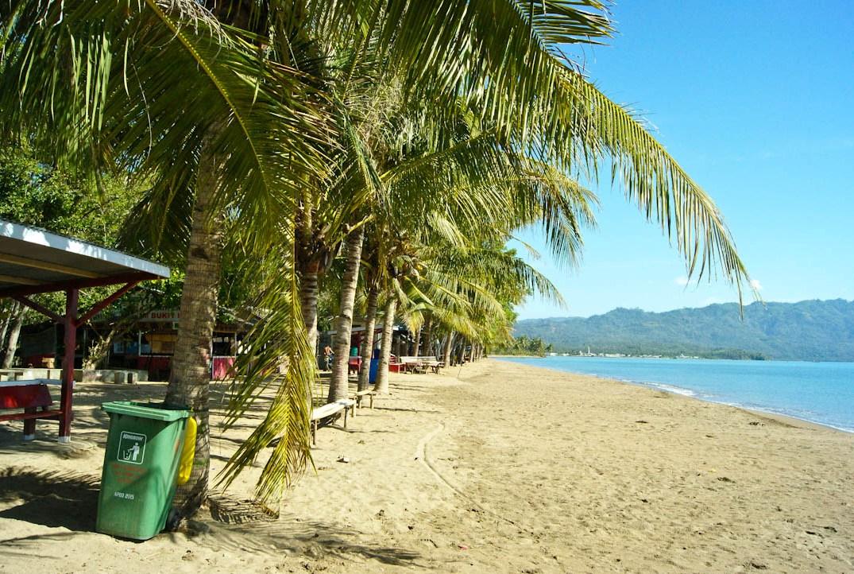 Terpesona Keindahan Pantai Lakban di Ratatotok Timur