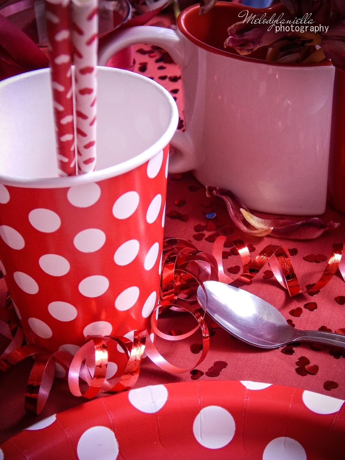 16 jak udekorować stół na walentynki walentynkowa kolacja pomysły na walentynkowe prezenty walentynkowe dekoracje home interior valentines blog melodylaniella partybox red prezent dla niego