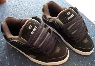 globe sabre black grey choco oldschool chunky skate shoes