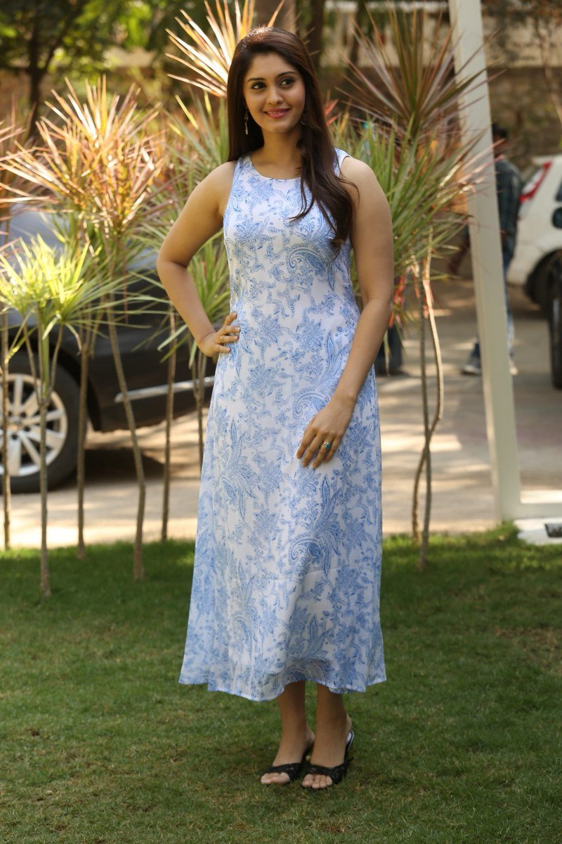 Actress Surabhi Latest HD Images
