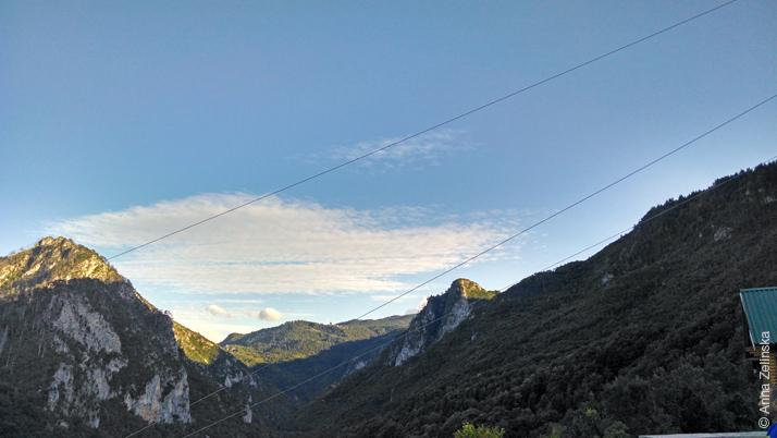 Канатный спуск над каньоном реки Тара
