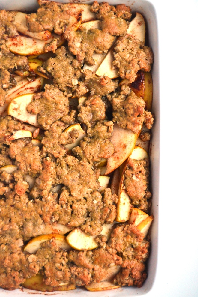 Easy Apple Pie Bars feature a layered whole-grain flavorful crust with soft and gooey apples for the perfect simple dessert! www.nutritionistreviews.com