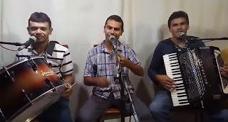 Trio de forrozeiros de Baraúna faz sucesso com cultura popular