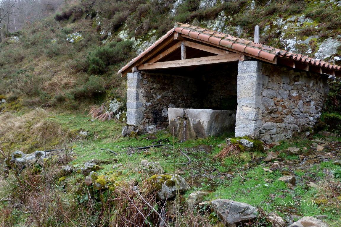 Antiguo lavadero de Biamón - Ponga - Asturias