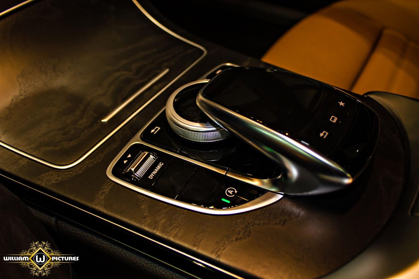 Lái xe có thể điều khiển, thay đổi chế độ lái...khi chạm và xoay