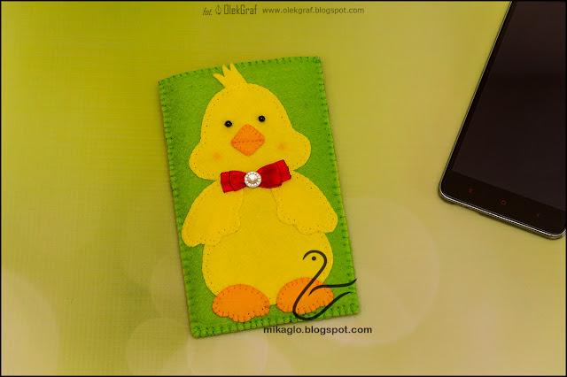 407. Filcowe etui na telefon z kaczuchą / Felt phone cover with duck