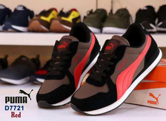 Sepatu Pria Best Seller Bulan October PUMA D7721