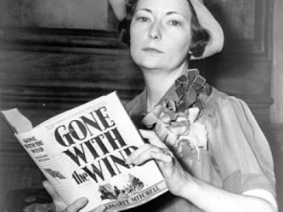 Gone With the Wind (1936) oleh Margaret Mitchell