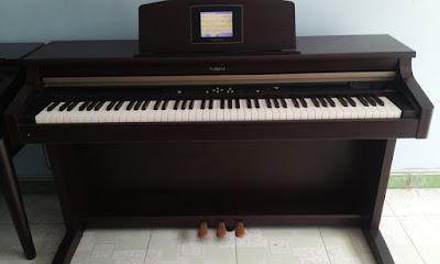 Mới học nên mua đàn piano điện yamaha hay casio
