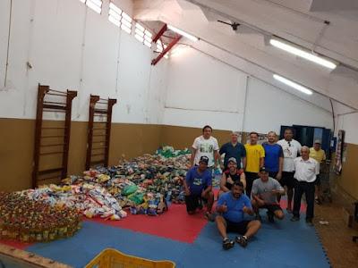 Alimentos arrecadados no Paulista de Showbol são doados ao FSS