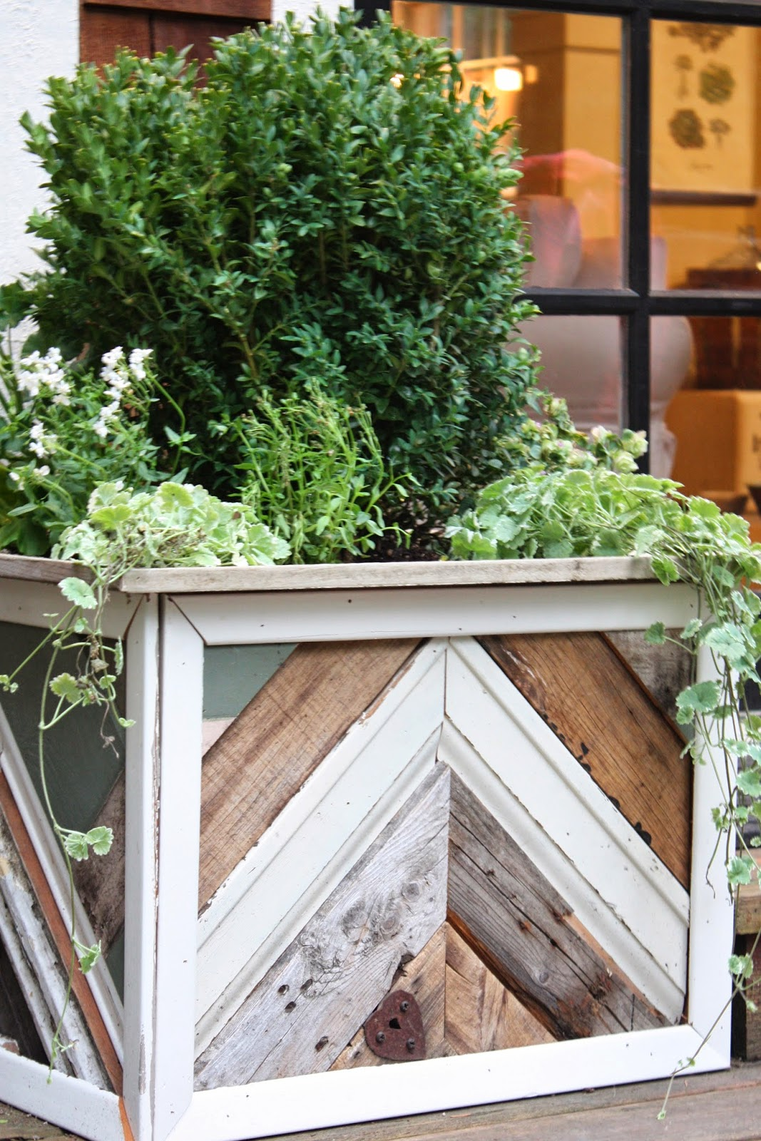 Planter Boxes Planters And In The Corner On Pinterest: My Sweet Savannah: ~reclaimed Wood Planter Boxes~