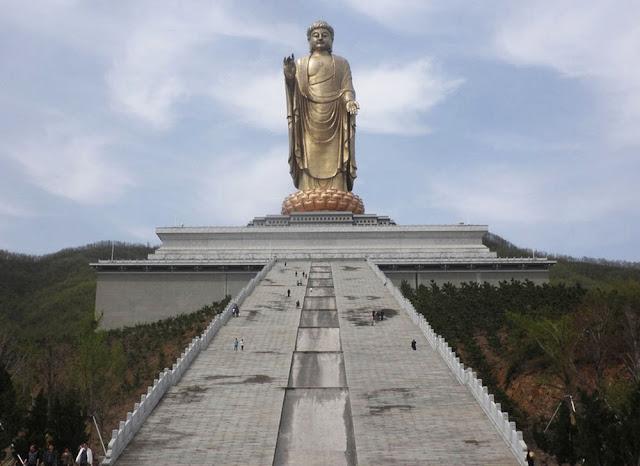 Spring Temple Buddha - Maior estátua do mundo