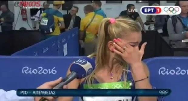 Ελληνίδα πρωταθλήτρια έβαλε τα κλάματα on air ΒΙΝΤΕΟ– Λεφτά για τα κομματόσκυλο πάντα υπάρχουν για να στείλουμε τους προπονητές των Ελλήνων αθλητών στο Ρίο όχι
