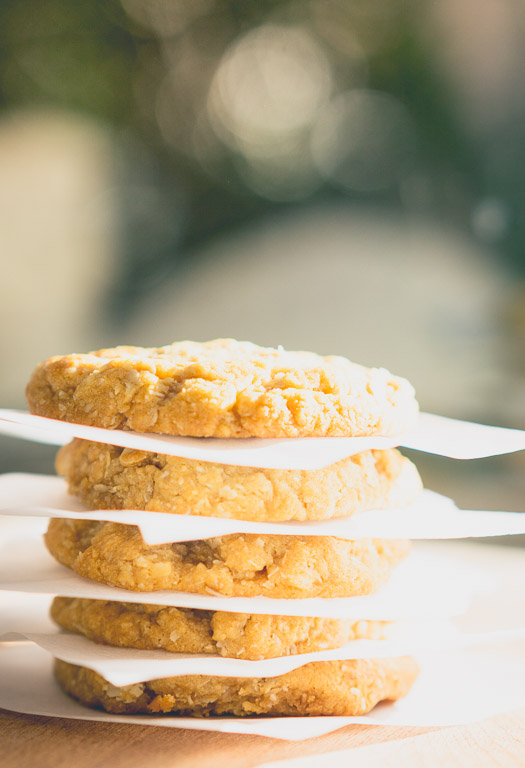 Classic Soft Chewy Anzac Biscuits | inhappenstance.blogspot.com.au