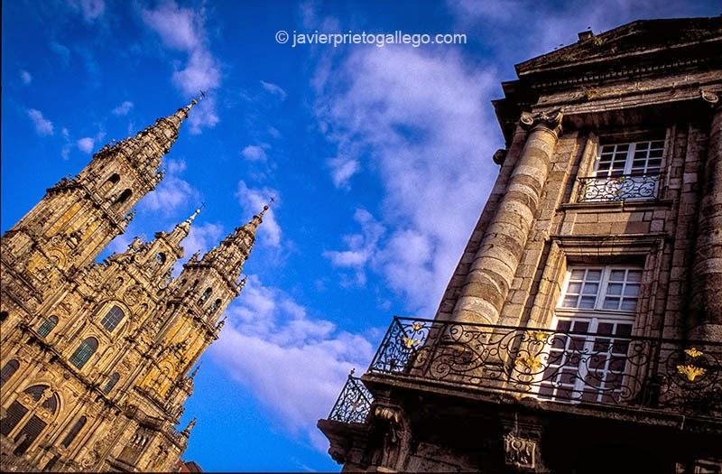 Fachada del Obradoiro y una esquina del Palacio Rajoy. Catedral de Santiago de Compostela. La Coruña. Galicia. España © Javier Prieto Gallego