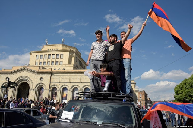 EEUU urge a las partes en Armenia a una transición constructiva