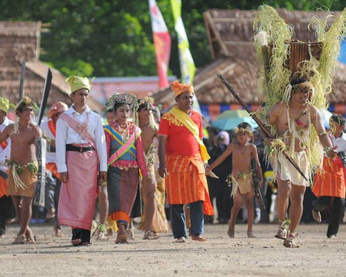 Tinuku.com Travel Jailolo Bay Festival annual event folk cultural in West Halmahera bay as historical origins spices world