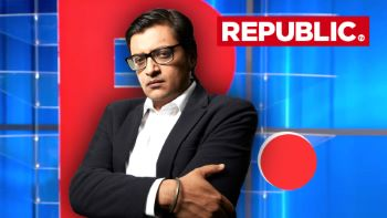 Arnab Goswami Channel RepublicTV Reporter Caught Spreading Fake News