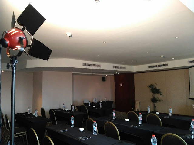 HP. 0856-4020-3369 / Sewa Lighting 800 Watt di Hotel Gumaya