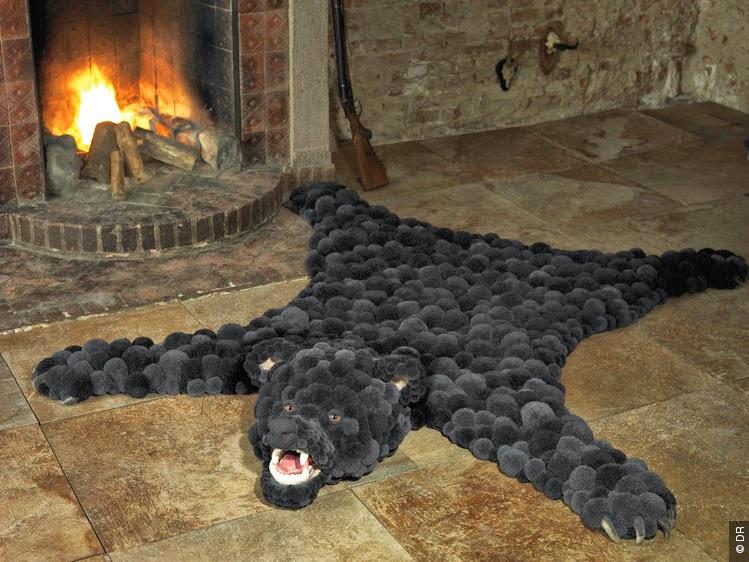 dans ma bo te mimines le tapis peau d 39 ours encore un projet d co pour la chambre des b b s. Black Bedroom Furniture Sets. Home Design Ideas