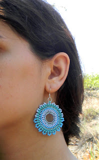 купить яркие серьги из бисера купить украшения в этническом стиле