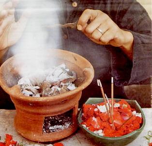 http://3.bp.blogspot.com/-HGe7yIqD7gg/UH1Gk0YekTI/AAAAAAAAGAs/ZsmMyg3sb6U/s1600/Sihir,+Gangguan+Jin,+Kesurupan,+Santet,+Teluh,+Tenung,+Dan+Juga+Guna-guna+Yang+Lain+Sebagainya..jpg