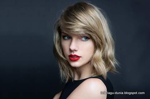 Lirik Lagu You Belong With Me - Taylor Swift