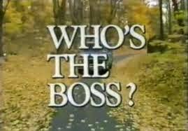 Ai là chủ?