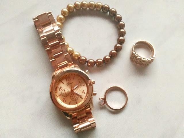 zegarek Geneva z różowego złota oraz biżuteria z różowego złota