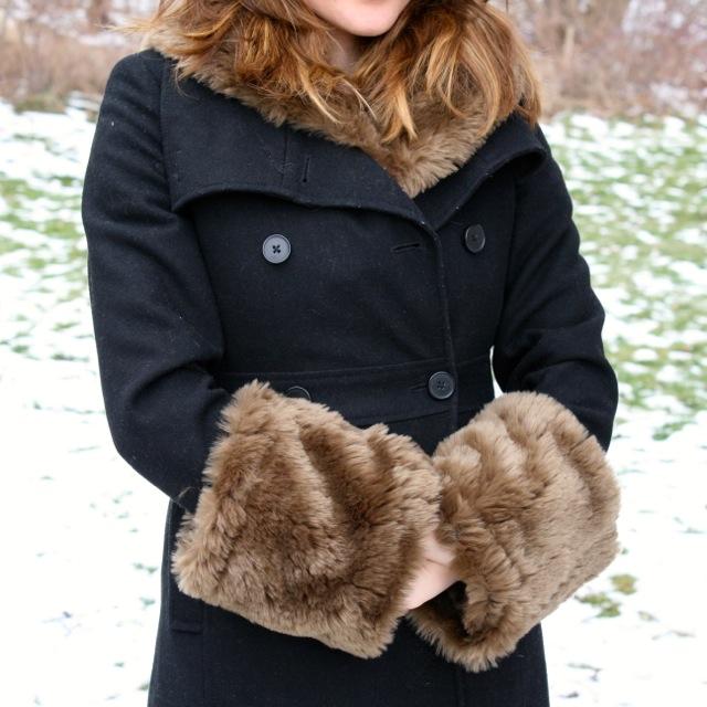 Faux Fur Cuffs: La Vie DIY: Faux-Fur Bolero Refashion- Part Two: Arm Cuffs