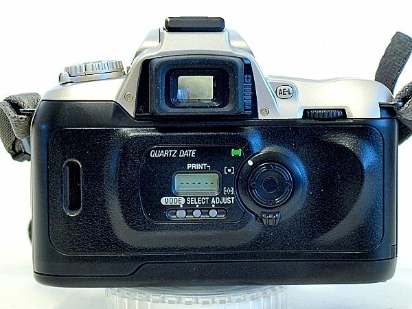 Nikon U2, Back