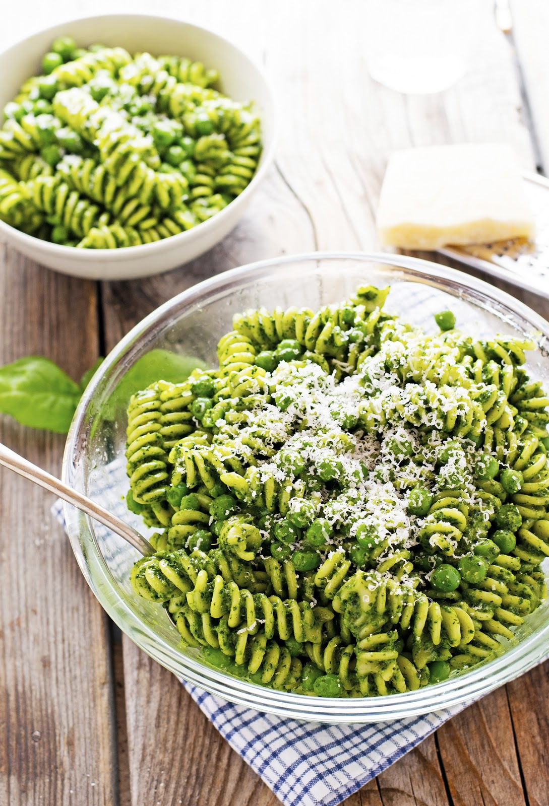 Spring Pasta Salad with Pesto and Peas
