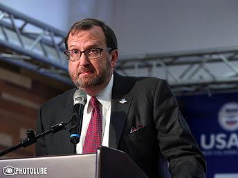 Estados Unidos aconseja a Armenia consultar antes de hacer negocios con Irán