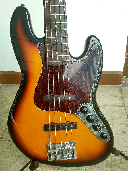 Used Fender Jazz Bass Deluxe 5 Mexico - JAKARTA - INDONESIA