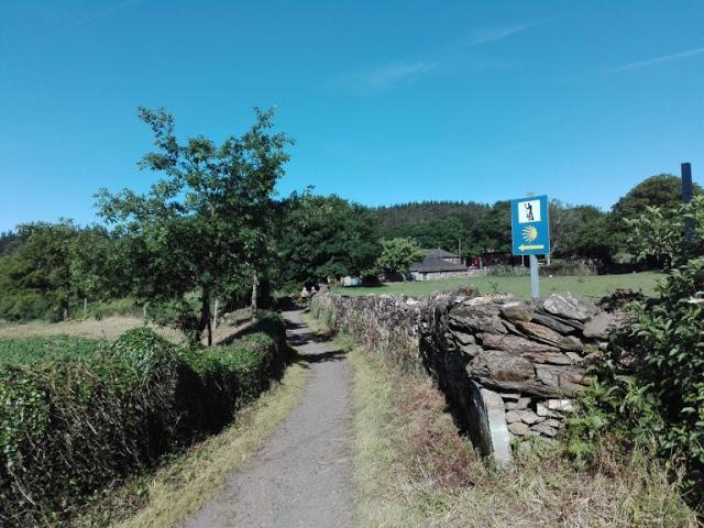 EUROPA:  De Portomarin A Melide #CaminodeSantiago por Kaiser Solano de Alpargata Viajera.