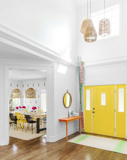 Дизайн-проекты. Яркий и игривый интерьер пляжного дома в Нью-Йорке