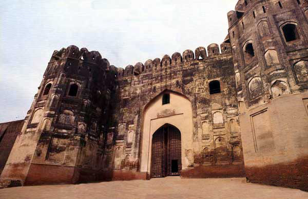 Shahi Qila Lahore Fort Beautiful Pics  Pakistani Politics News World Sports