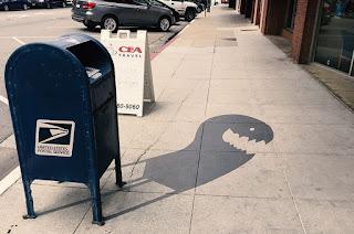Gambar Bayangan di jalanan karya seniman ini bener bener keren abis