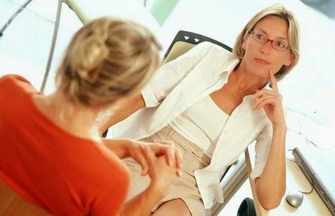Iniciar uma psicoterapia pode trazer dúvidas e inseguranças para a pessoa que não conhece e não tem familiaridade com o tema. Pode ser um momento no qual surgem fantasias a respeito do processo psicoterápico e acerca do profissional.
