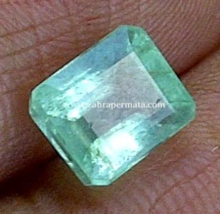 Batu Permata Zamrud Colombia