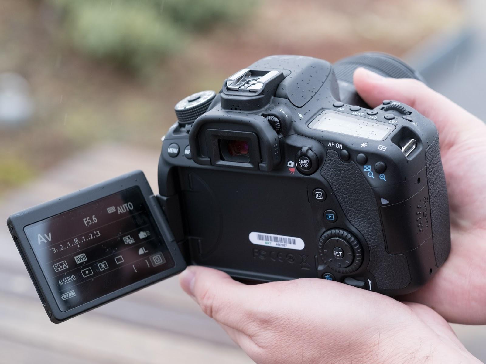 Pantalla abatible de la Canon 80D para hacer Vlogging Profesional
