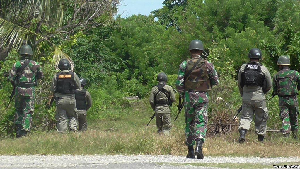 Pendaratan Amfibi Pasukan Marinir di Pantai Banongan