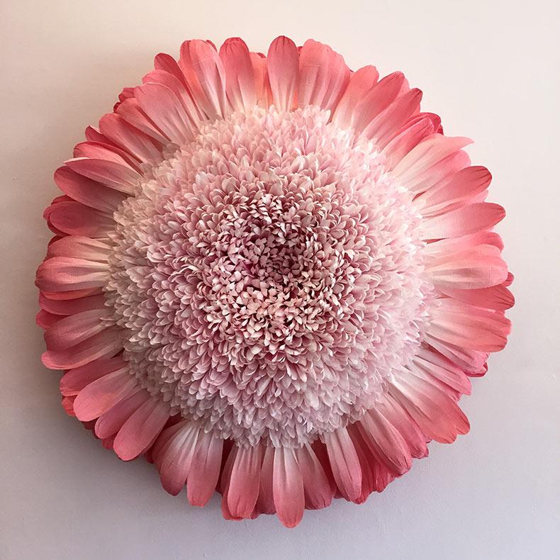 Nuevas esculturas de flores de papel gigantes de Tiffanie Turner
