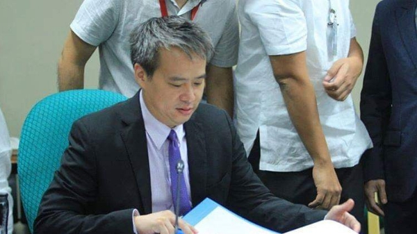 Villanueva passes bill that waives gov't fees for fresh grads