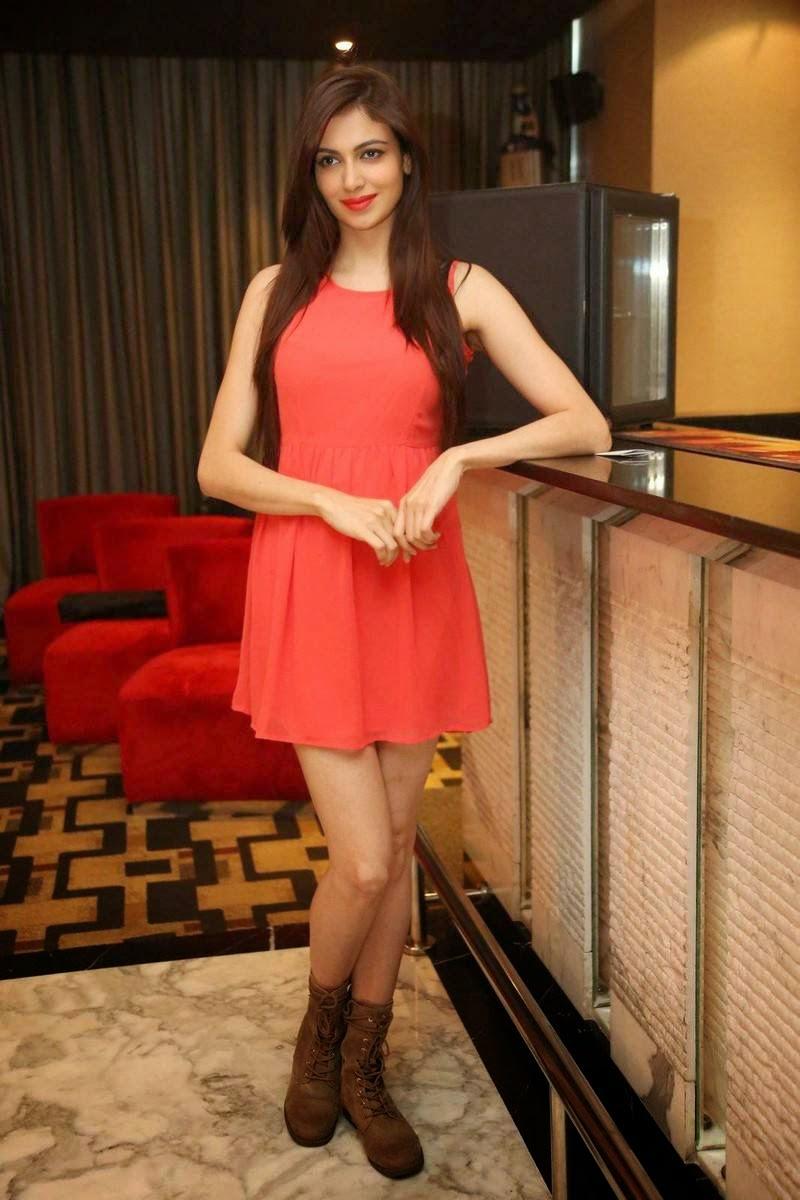 Actress Simran Kaur Mundi Unseen Stills, Pics of Indian Girl in short Dress wearing long buits - Simran Kaur Mundi