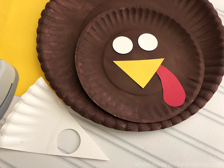 Paper plate craft - Thanksgiving crafts for kids