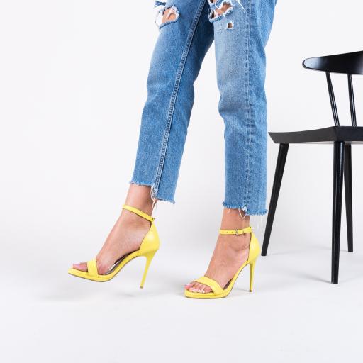 Sandale galbene pentru nunta si eveniemnte cu tocul inalt subitr