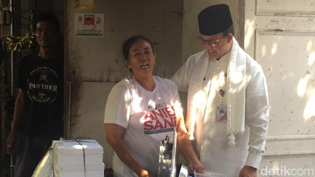 Warga Jakarta Ngeluh Modal dari OK OCE Belum Cair, Anies: Memang Tidak Ada