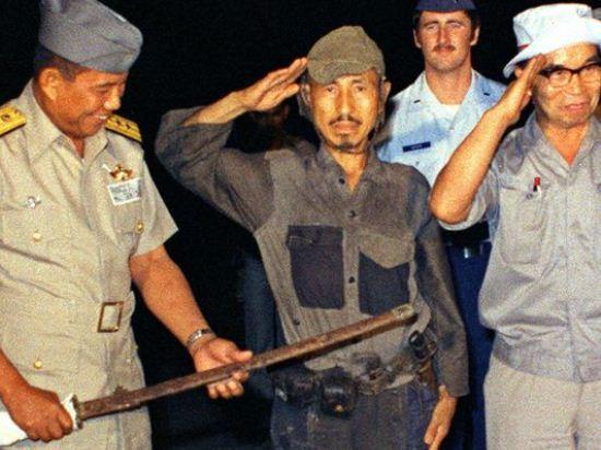 Hiroo Onoda menyerakan diri, Maret 1974